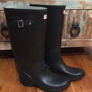 Hunter Tall Rain Boots - US Size 6M/7F
